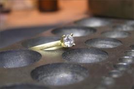 טבעת אירוסין קלאסית זהב צהוב