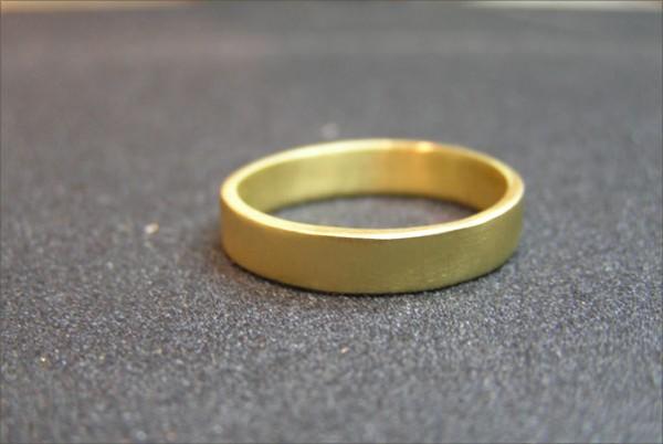 טבעת נישואין עדינה זהב צהוב