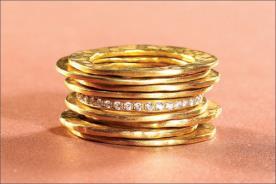 טבעת אירוסין בסגנון גולמי