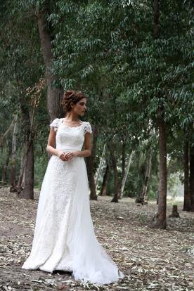 שמלת כלה עם שרוולי תחרה מיוחדים