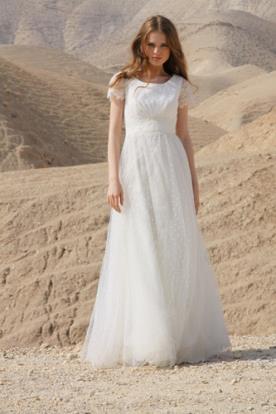 שמלת כלה קסומה ללוק רומנטי