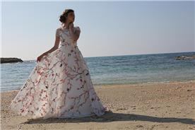 שמלת כלה בצבע ייחודי