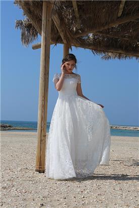 שמלת כלה מתחרה במראה רומנטי