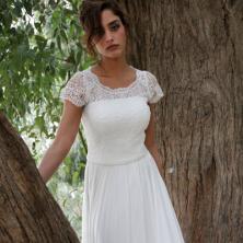 שמלת כלה עם תחרה בשרוולים