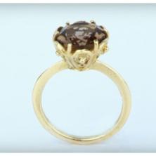 טבעת ייחודית עם אבן
