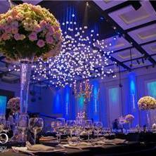 סידורי פרחים גבוהים לשולחן