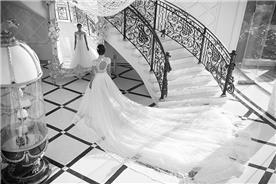 שמלת כלה בעיצוב קלאסי עם גב פתוח