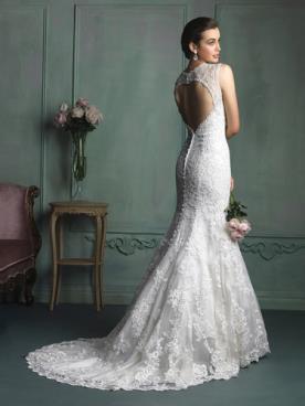 שמלת כלה תחרה בסגנון אנגלי