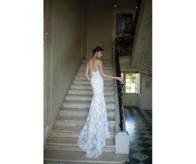 שמלת כלה קלאסית בעיצוב רומנטי