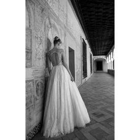 שמלת כלה עם גב פתוח מעוגל