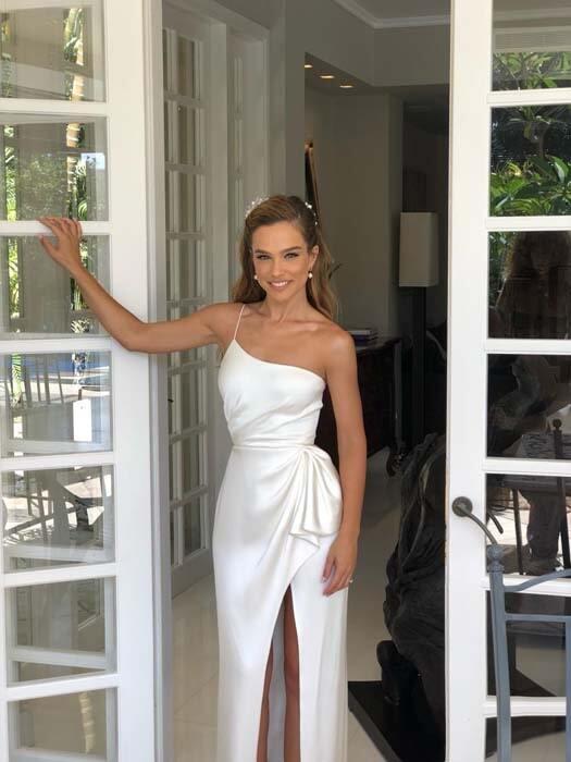 שמלת קלאסית