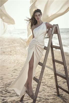 שמלות עם פייטים