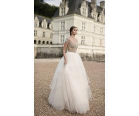 שמלת כלה מלכותית עם טופ מחורז