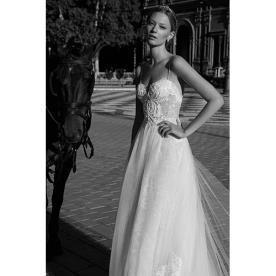 שמלת כלה יפייפיה למראה עדין