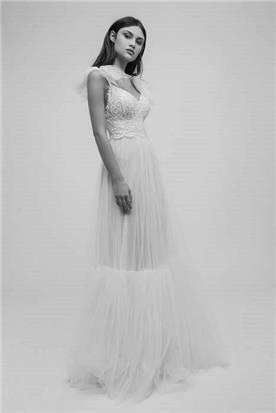 מיקה שמלת כלה עם פפיון בכתף