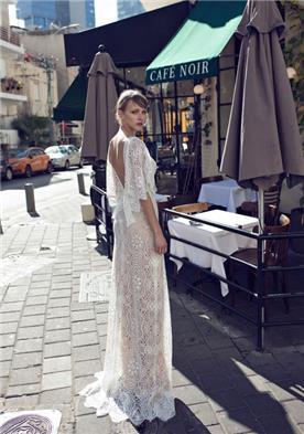 שמלת כלה עם גב חשוף ושרוול