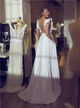 שמלת כלה עם שרוולים מיוחדים - מיקה