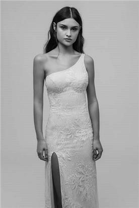 שמלת כלה עם כתפיה אחת