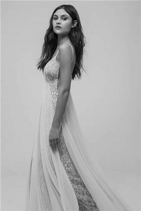 שמלת כלה עם עליונית טול