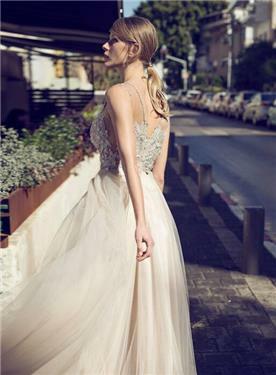 שמלת כלה בובתית