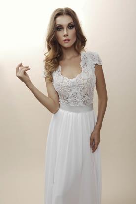 שמלת כלה אמפייר לכלה הרומנטית
