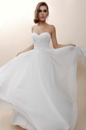 שמלת כלה סטרפלס לערב במראה קלאסי