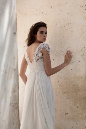 שמלת כלה כפרית בגזרה נשפכת