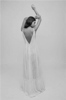 שמלת כלה צד אחורי