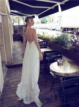שמלת כלה עם פתח בגב- מיקה