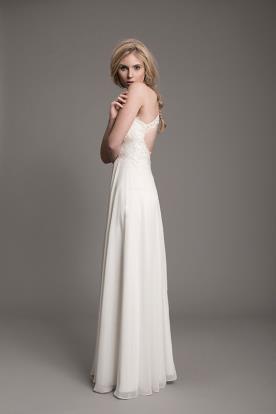 שמלת כלה קלאסית עם פתח בגב