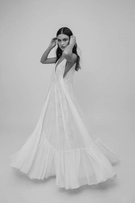 מיקה שמלת כלה מתנפנפת