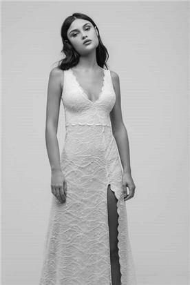 שמלת כלה עם גימור מסולסל