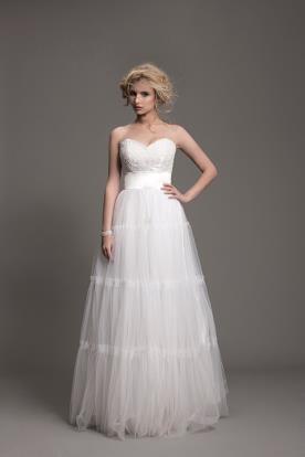 שמלת כלה במראה קצפת