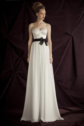 שמלת כלה חגורת פפיון שחורה