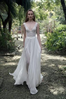 שמלת כלה בוהו שיק עם שסע