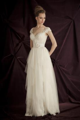 שמלת כלה וינטאג' רומנטית
