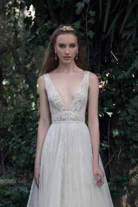 שמלת כלה רומנטית תחרה ומחשוף