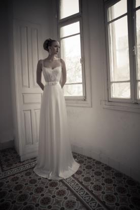 שמלת כלה חצאית פעמון שובל עגול