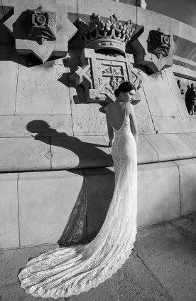שמלת כלה שובל תחרה ארוך