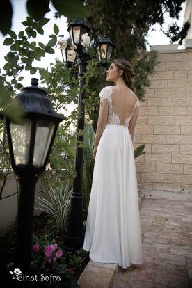 שמלת כלה רחבה גב פתוח