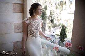 שמלת כלה עדינה תחרה קלאסית