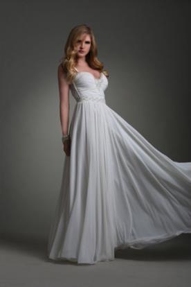 שמלת כלה עם פליסה ללוק אלגנטי