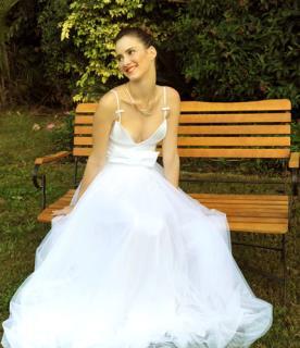 שמלת כלה נפוחה עם פפיון