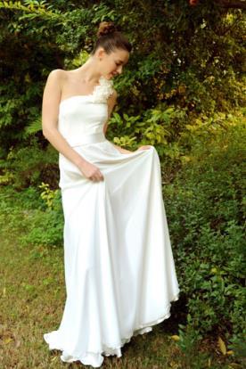 שמלת כלה נועזת כתפייה אחת
