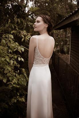 שמלת כלה גב תחרה עדין חשוף