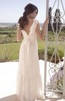 שמלת כלה גב פתוח סגנון כפרי