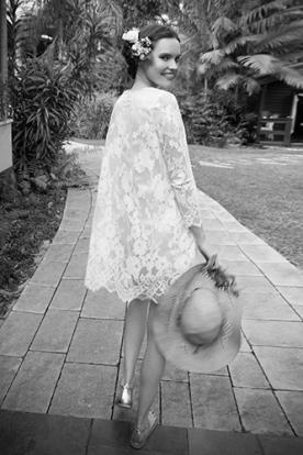 שמלת כלה תחרה מיני שרוול ארוך