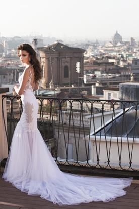 שמלת כלה נועזת שקוף בצדדים