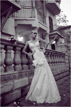שמלת כלה תחרה עם פפיון בחצאית