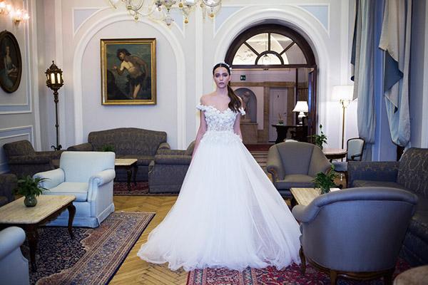 שמלת כלה נסיכתית אוף שולדר
